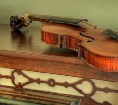Violino Stradivarius é comprado com bitcoin